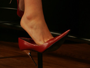 10-Far-scivolare-piede-dalla-scarpa